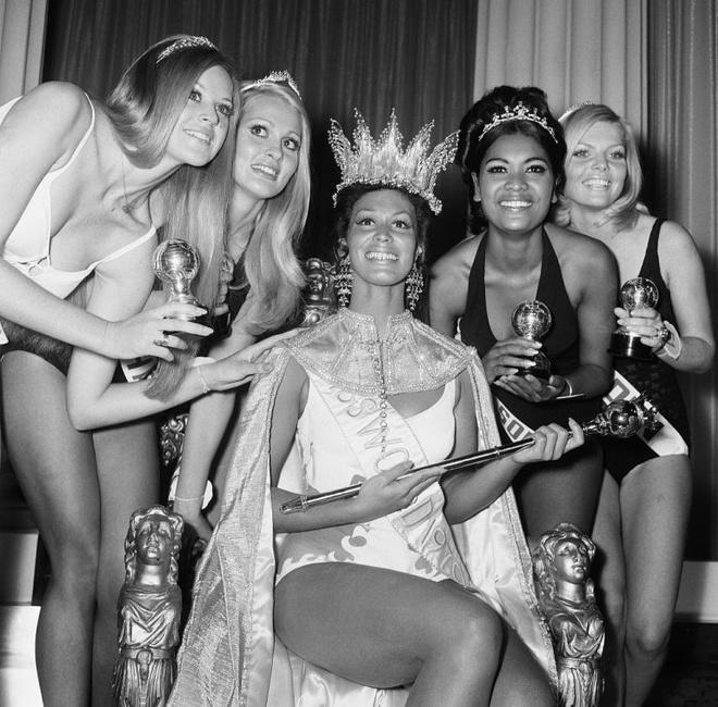 Keira Knightley dong phim ve ky thi Miss World gay tranh cai bac nhat hinh anh 2