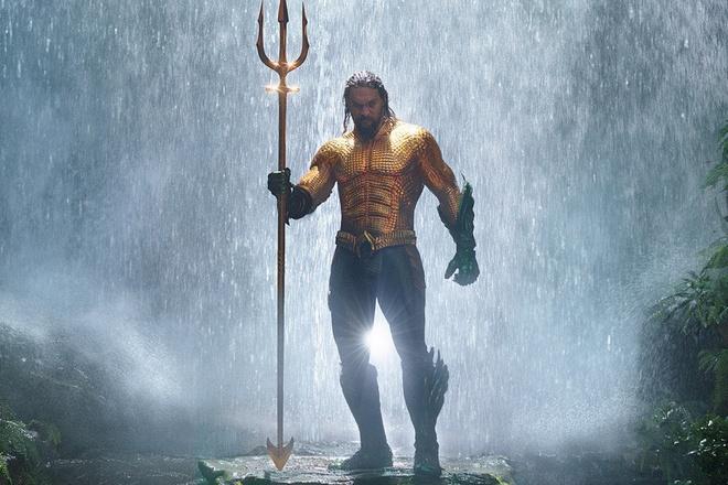 'Sieu anh hung' phai... nhin tieu tien khi dong 'Aquaman' hinh anh