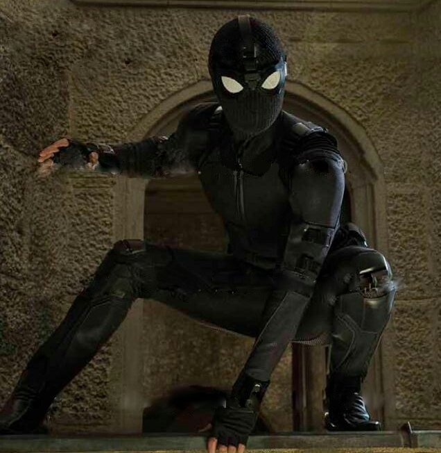 'Spider-Man: Far from Home' se co cau chuyen lang man day bat ngo? hinh anh 2