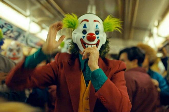 Vuot moc 800 trieu USD, 'Joker' la phim 17+ an khach nhat lich su hinh anh 1