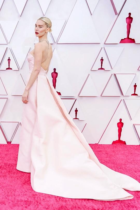 Le trao giai Oscar 2021 anh 24
