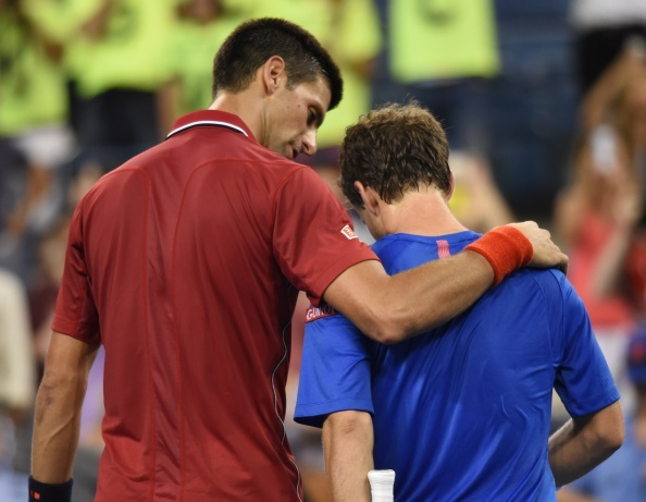 Djokovic an ui doi thu sau khi gianh ve vao vong 2 US Open hinh anh
