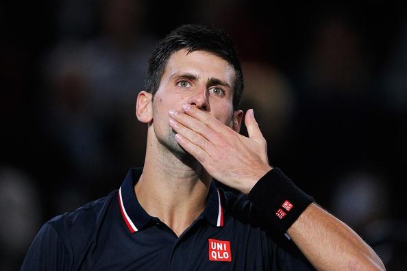 Djokovic thang an tuong lam mon qua tang con trai hinh anh
