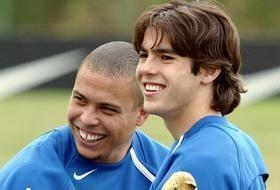Kaka: 'Ronaldo la cau thu xuat sac nhat toi tung chung kien' hinh anh