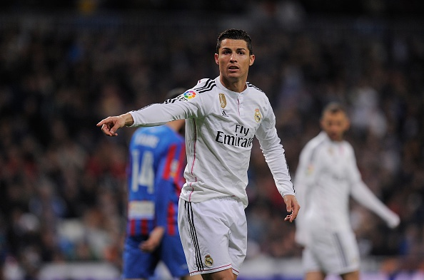 Ronaldo to thai do bat man khi Bale lap cong hinh anh 10