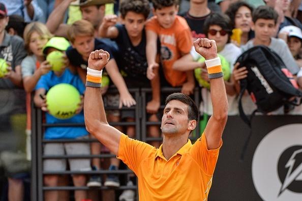 Djokovic thang nhoc nhan sau gan mot thang nghi thi dau hinh anh