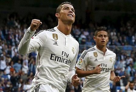 Ronaldo lap hat-trick, gianh danh hieu Vua pha luoi La Liga hinh anh