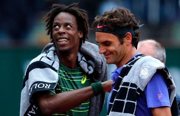 Federer tam hoa Monfils 1-1 tai vong 4 Roland Garros hinh anh