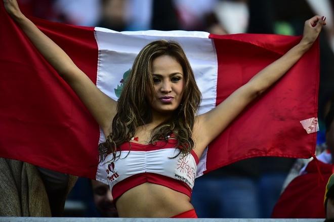 Fan nu xinh dep dot nong khan dai Copa America hinh anh