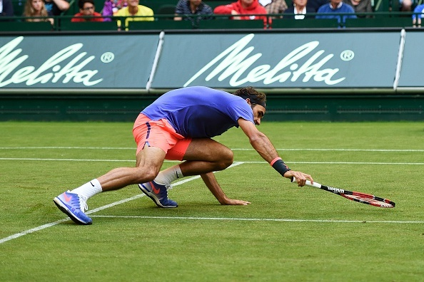 Truot chan nga ngua, Federer van cuu bong thanh cong hinh anh