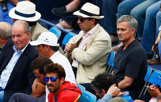 Mourinho khong vui khi chung kien Nadal bai tran hinh anh 3