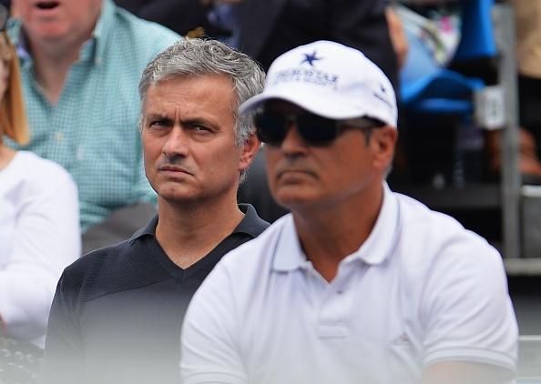 Mourinho khong vui khi chung kien Nadal bai tran hinh anh 4
