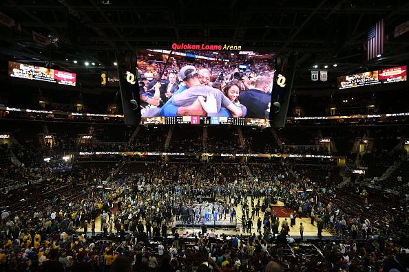 Golden State Warriors vo dich NBA sau 40 nam hinh anh 2