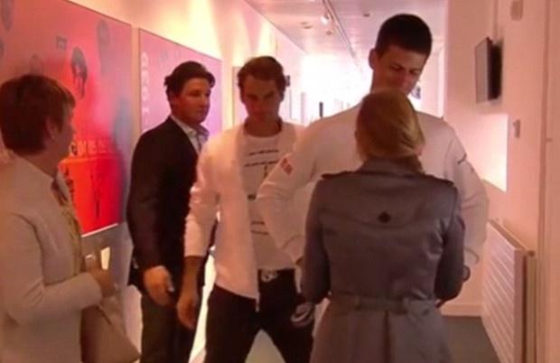 Federer buon rau luot qua vo chong Djokovic hinh anh