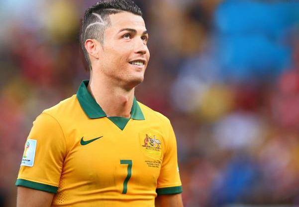 Ronaldo tung suyt tro thanh cong dan Australia hinh anh