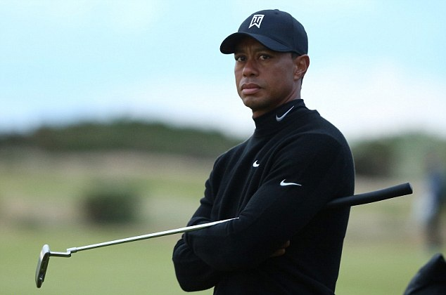 Tiger Woods tien gan toi ky luc buon tai Open Championship hinh anh