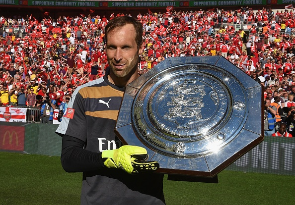 Lam nan long Chelsea, Cech co danh hieu dau tien voi Arsenal hinh anh
