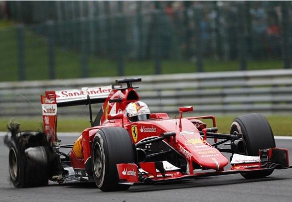 Hamilton vo dich, Vettel no lop vong ap chot hinh anh