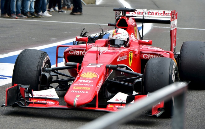 Hamilton vo dich, Vettel no lop vong ap chot hinh anh 8