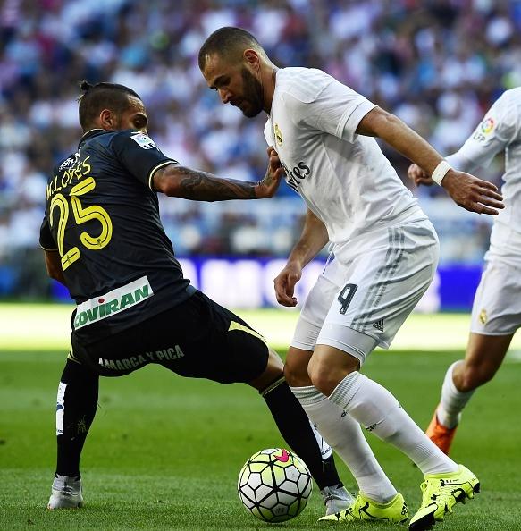 Real 1-0 Granada: Ronaldo chua the len ngoi so mot hinh anh 11