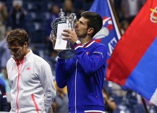 Djokovic tu tin vuot qua ky luc Grand Slam cua Federer hinh anh