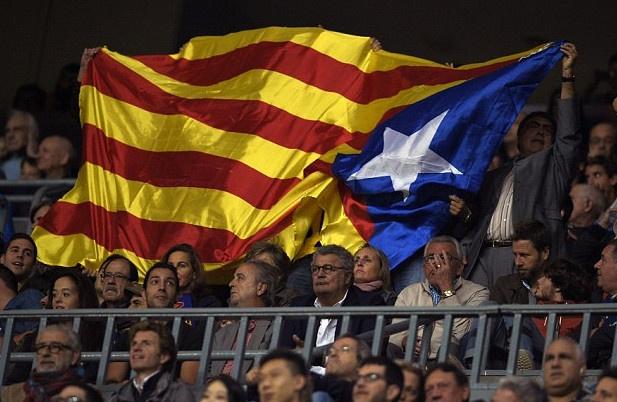 Barca quyet khieu nai an phat cua UEFA hinh anh