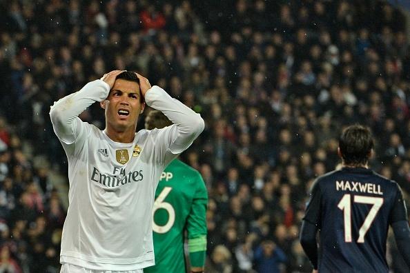 Ronaldo kem duyen, Real chia diem tren san PSG hinh anh 1