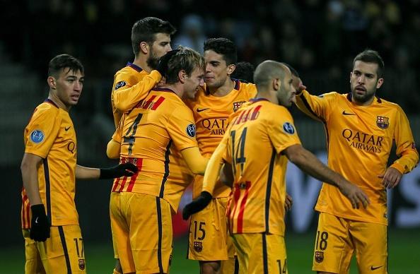 Rakitic, Neymar toa sang, Barca xay chac ngoi dau bang E hinh anh