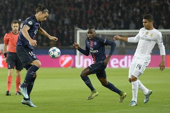 Ronaldo kem duyen, Real chia diem tren san PSG hinh anh 9