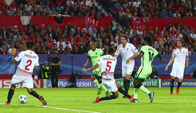 Ha Sevilla 3-1, Man City gianh ve vao vong knock-out hinh anh 8