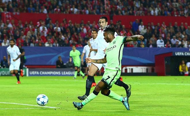Ha Sevilla 3-1, Man City gianh ve vao vong knock-out hinh anh 2