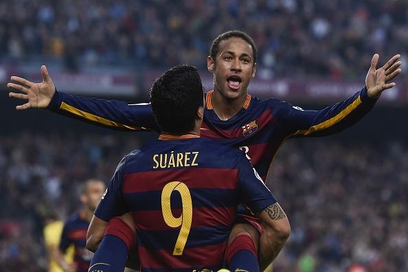 Neymar xung dang vuot Messi, Ronaldo gianh 'Qua bong vang'? hinh anh 1