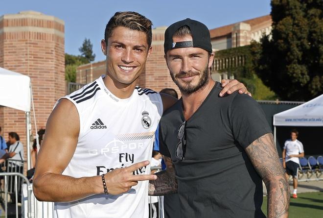 Beckham khuyen Ronaldo tro lai MU hinh anh
