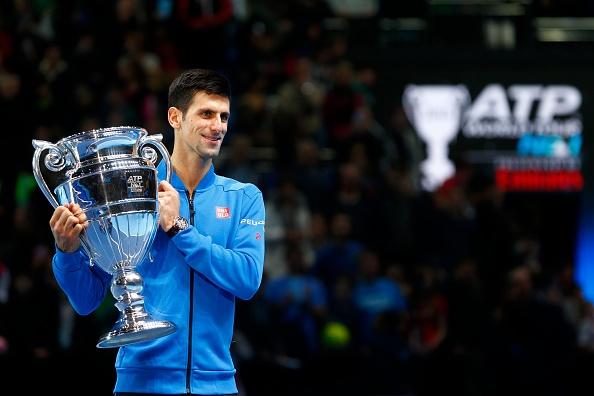 Djokovic nhan cup sau chien thang de dang truoc Nishikori hinh anh