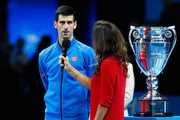 Djokovic nhan cup sau chien thang de dang truoc Nishikori hinh anh 3