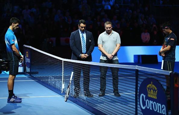 Djokovic nhan cup sau chien thang de dang truoc Nishikori hinh anh 6