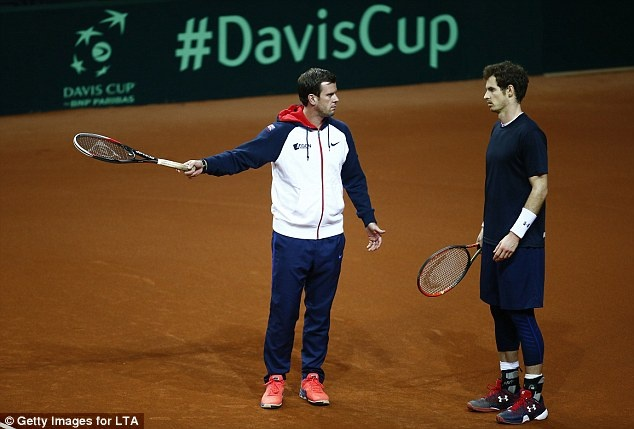 Tuyen Anh du chung ket Davis Cup trong noi lo khung bo hinh anh 2
