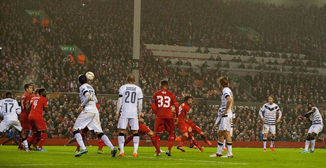 Nguoc dong ha Bordeaux, Liverpool lot vao vong knock-out hinh anh 4