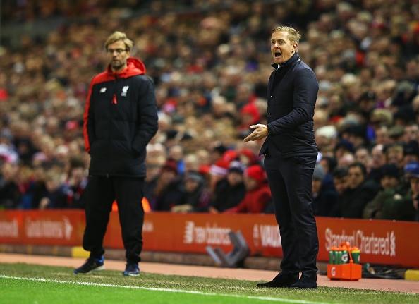 Liverpool 1-0 Swansea: The Kop chi con cach ngoi dau 6 diem hinh anh 18