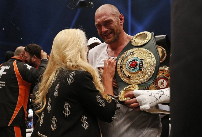 Tyson Fury - 'Ga he Manchester' lam chan dong the gioi hinh anh 2