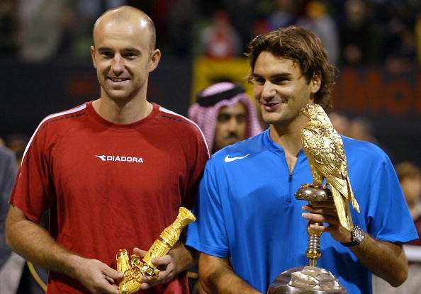 Federer bat ngo ton bai tuong cua minh lam thay hinh anh