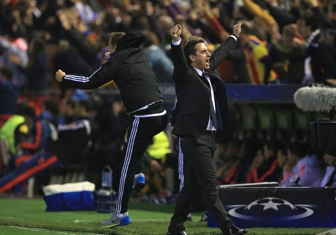 Gary Neville co su khoi dau te hai cung Valencia hinh anh 3