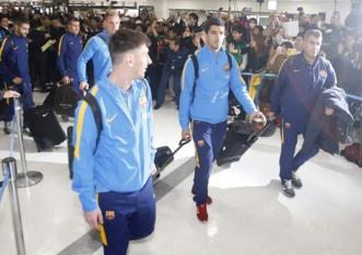 Hang nghin fan chao don Messi, Suarez, Neymar den Nhat Ban hinh anh