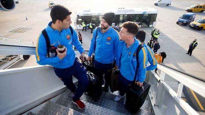 Hang nghin fan chao don Messi, Suarez, Neymar den Nhat Ban hinh anh 2