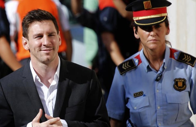 Messi duoc minh oan toi tron thue hinh anh 1