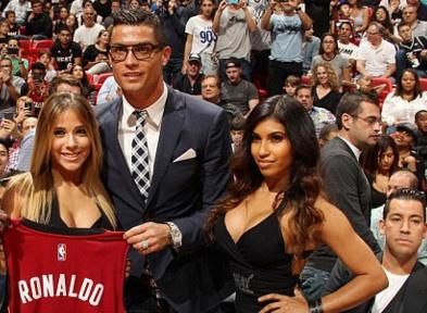 Ronaldo sang My co vu Miami Heat hinh anh