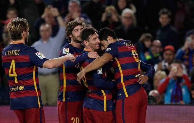 Messi ghi ban o tran thu 500, Barca doi lai ngoi dau tu Real hinh anh 10