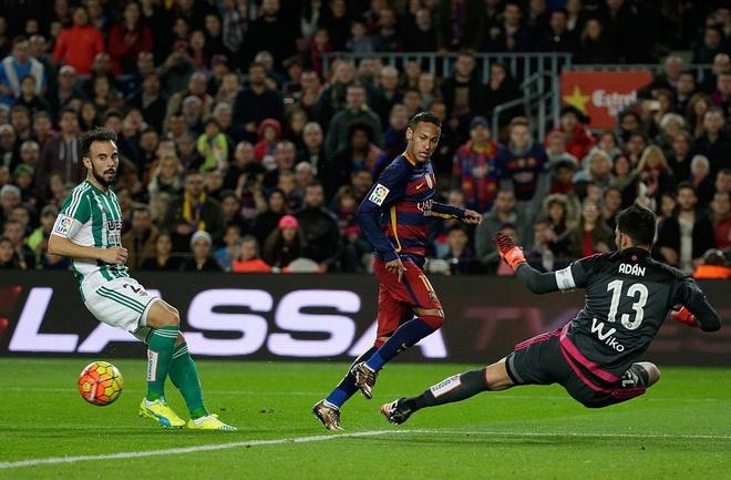 Messi ghi ban o tran thu 500, Barca doi lai ngoi dau tu Real hinh anh 9