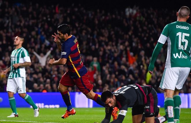 Messi ghi ban o tran thu 500, Barca doi lai ngoi dau tu Real hinh anh 6
