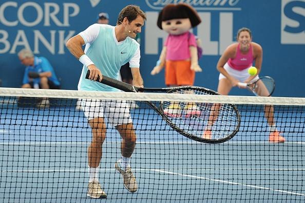 Federer chat vat thi dau cung chiec vot khong lo hinh anh 4